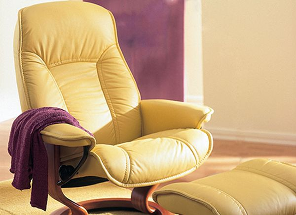 Stressless Senator Governor Recliner With Matching Ottoman Wide Image
